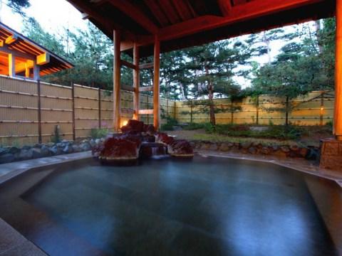 八幡館・露天風呂