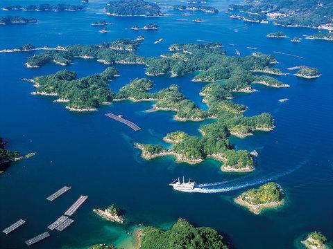 九十九島と遊覧船パールクィーン